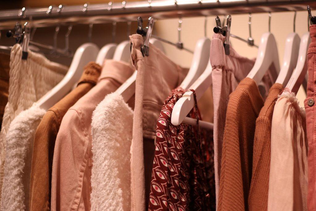 Como começar a revender roupas pelo Instagram
